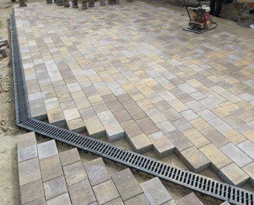 укладка тротуарной плитки под ключ в Московской области