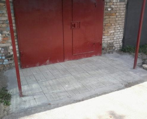 Укладка плитки в гараже